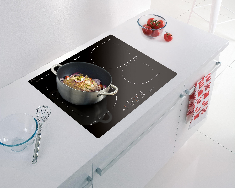 comment choisir les ustensiles ad quats pour une plaque. Black Bedroom Furniture Sets. Home Design Ideas